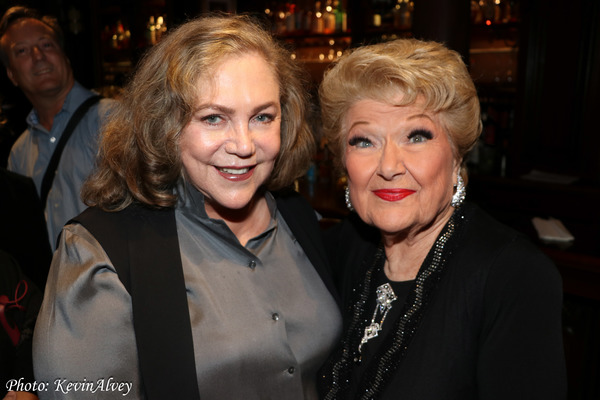 Kathleen Turner, Marilyn Maye Photo