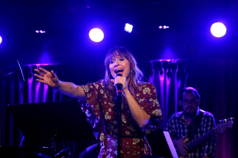 BWW Review: BROADWAY SINGS UNPLUGGED: SARA BAREILLES Wows Audience at The Green Room 42