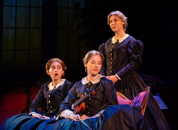 Sara Freedland, Cassidy Stirtz and Emma Vielbig Photo