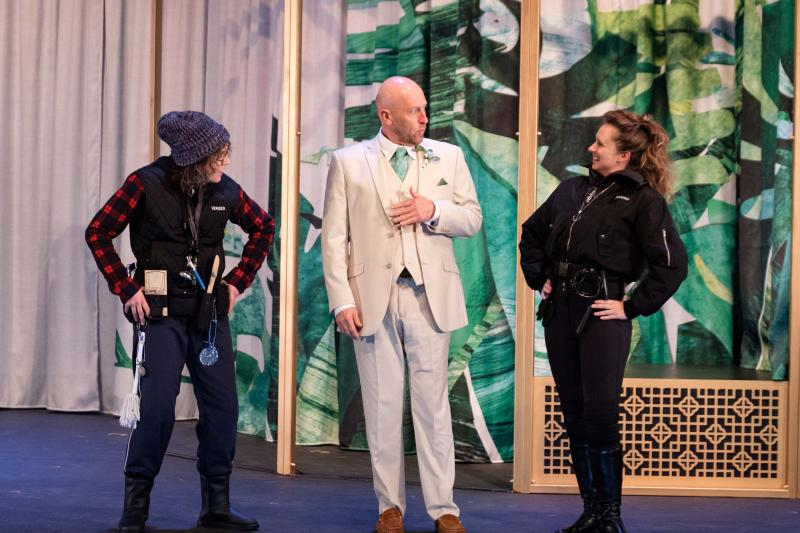 BWW REVIEW: Toxic Masculinity And Outdated Views On Women Are Highlighted In Bell Shakespeare's Modern Staging Of Comic Love Story MUCH ADO ABOUT NOTHING.