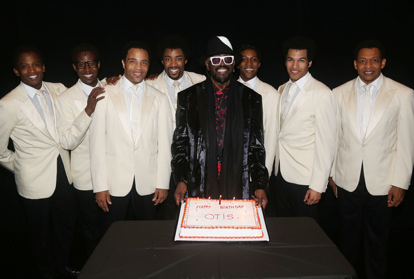 "Otis Williams poses  with the show's ""Temptations""  Photo"