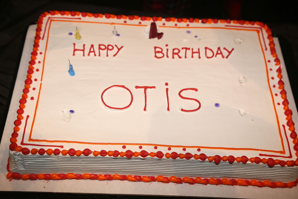 "The cake as the cast of ""Ain't Too Proud"" on Broadway celebrates Otis Williams' 78th  Photo"