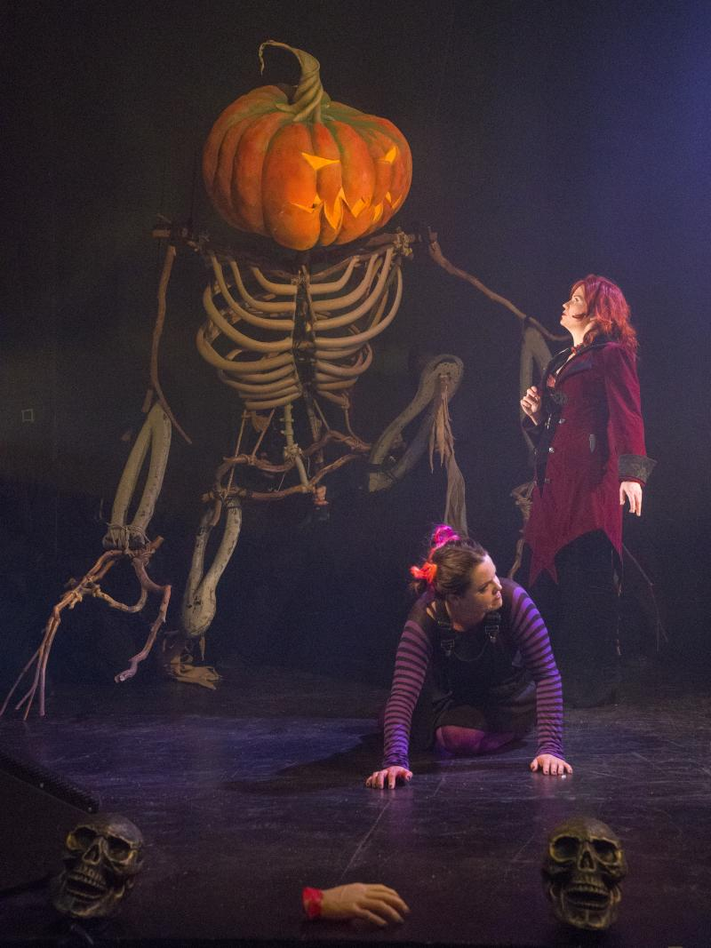 BWW Review: Great Frights and Amazing Sights in Robinson's ALL HALLOWS EVE