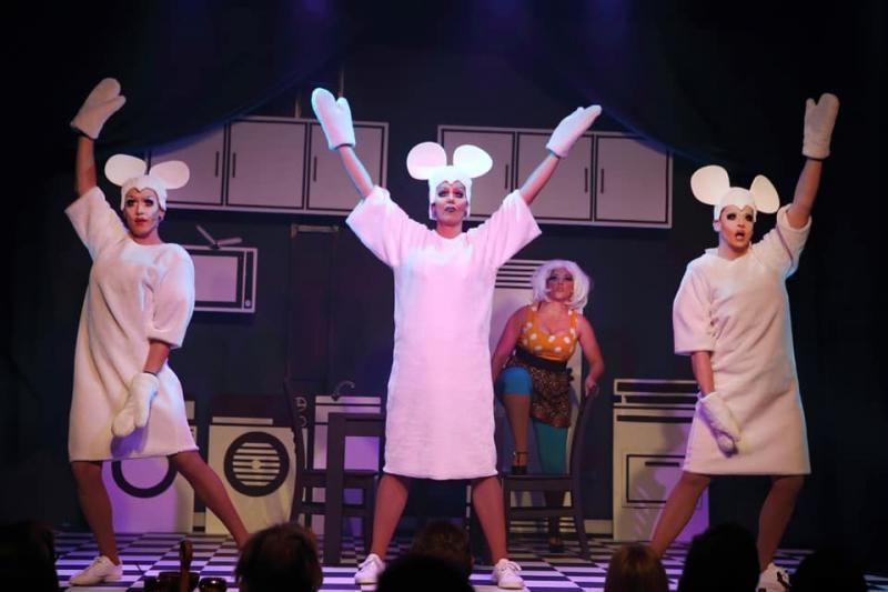 BWW Review: THE THREE BLIND MICE is Laugh-Out-Loud Fun at Cape Town's Fabulous Gate 69