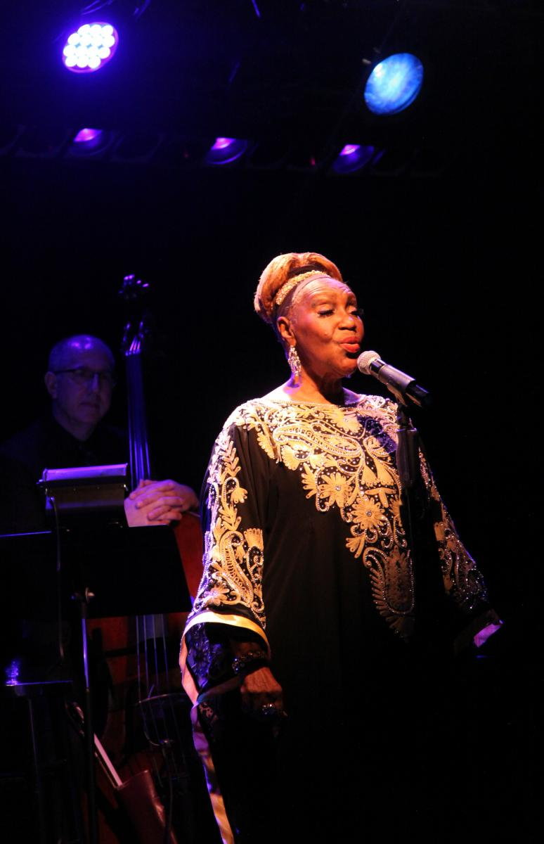 BWW Review: Avery Sommers Rules The Laurie Beechman Theatre with FOR SENTIMENTAL REASONS