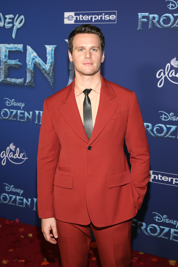 Photo Flash: See Idina Menzel, Jonathan Groff, and More at the FROZEN 2 Premiere!
