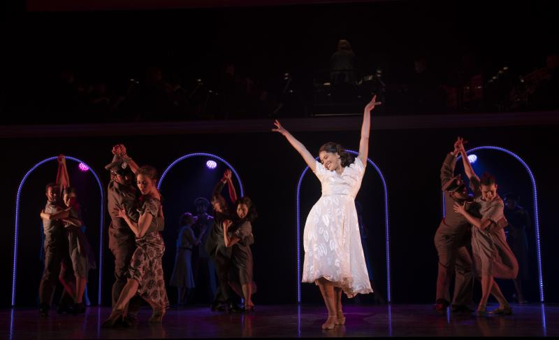 BWW Review: New York City Center Presents EVITA In A Time When News Commentators Outshine Newsmakers
