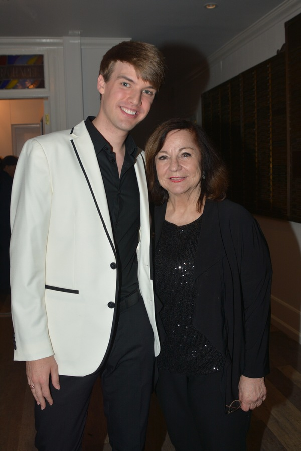 Photo Coverage: Mark William Leads a Benefit for The Actors' Temple