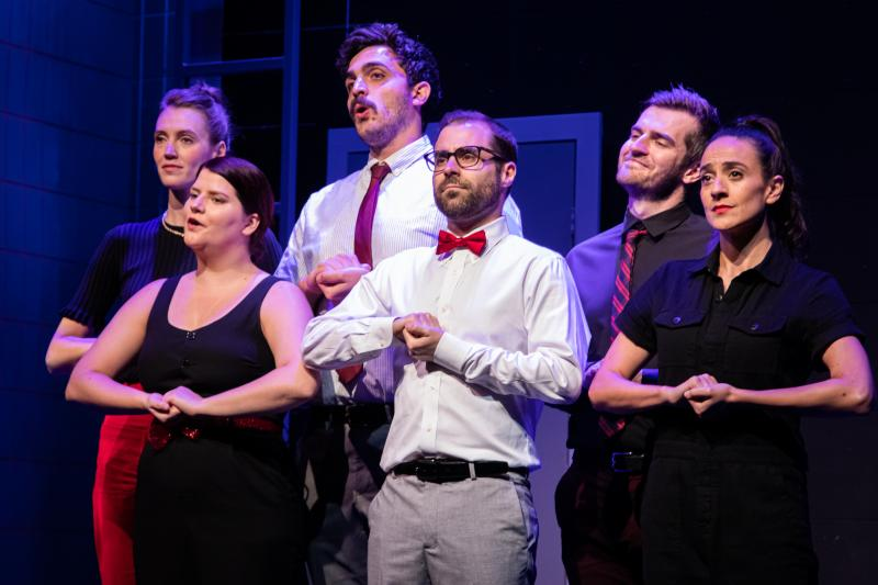 BWW Review: Catch a Case of the Warm Funnies at The Second City's UNCONVENTIONAL HOLIDAY REVIEW