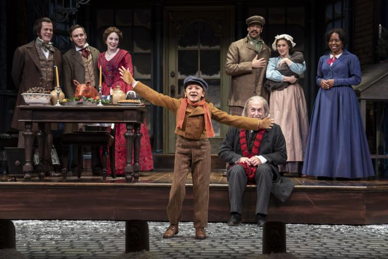 BWW Review: 42nd Annual Production of A CHRISTMAS CAROL at Goodman Theatre