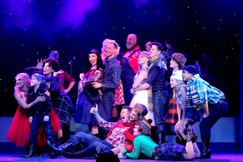BWW Review: SOUNDS OF CHRISTMAS at Broadway Palm Dinner Theatre is Musical and Merry!