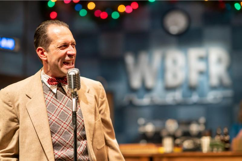 BWW Review: IT'S A WONDERFUL LIFE: A LIVE RADIO PLAY at Gulfshore Playhouse