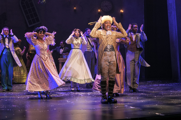Photo Flash: First Look At A CHRISTMAS CAROL At ZACH Theatre