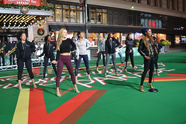 Photo Coverage: Idina Menzel, HADESTOWN, TINA - THE TINA TURNER MUSICAL, and More Rehearse For the 2019 Macy's Thanksgiving Day Parade