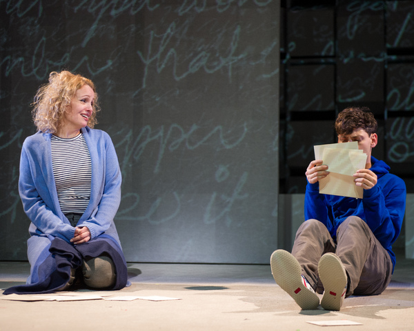 BWW Review: THE CURIOUS INCIDENT OF THE DOG IN THE NIGHT-TIME at Round House Theatre