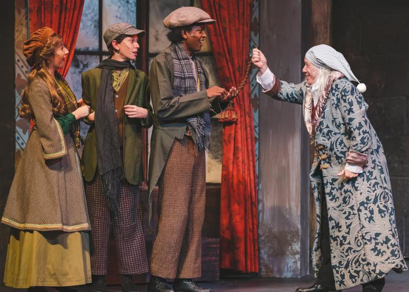 BWW Review: A CHRISTMAS CAROL - A GHOST STORY OF CHRISTMAS at Garden Theatre Loses Sight of Scrooge