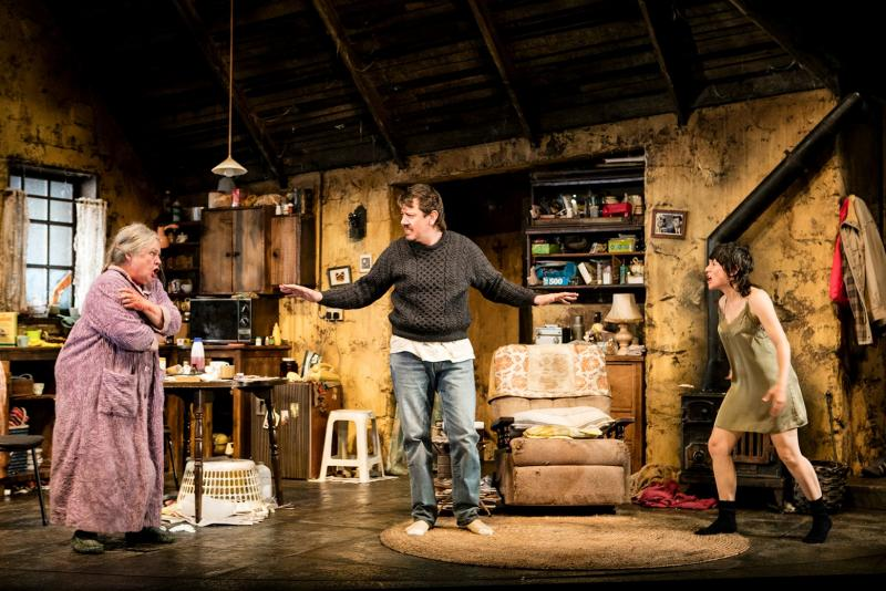 BWW REVIEW: Hilarious And Harrowing, THE BEAUTY QUEEN OF LEENANE Takes A Look Into The Lives Of The Forgotten