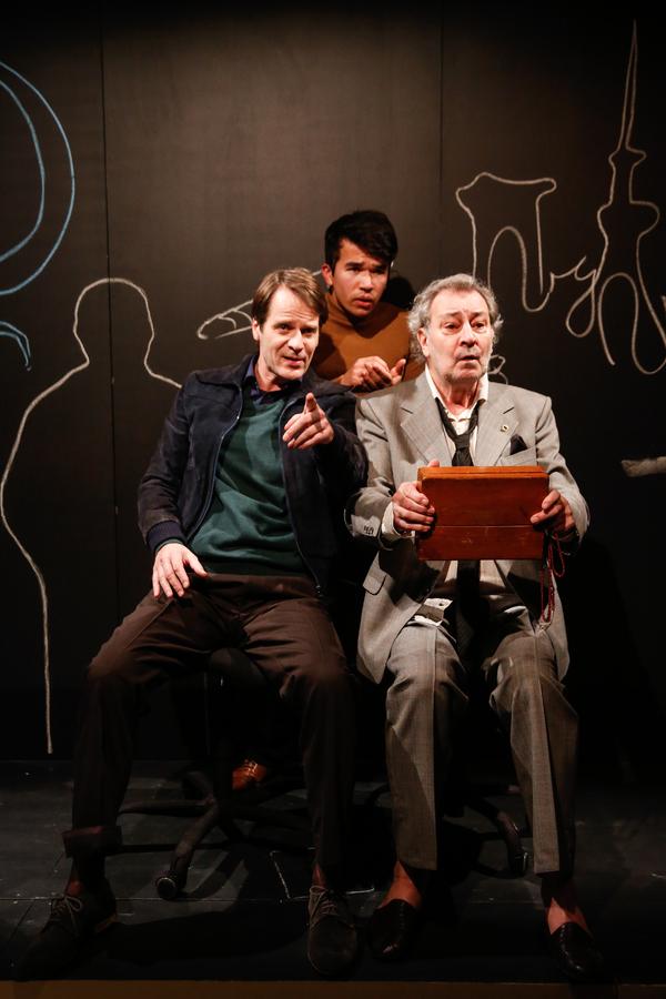 Scene Photos: MONSIEUR IBRAHIM UND DIE BLUMEN DES KORAN, Volkstheater