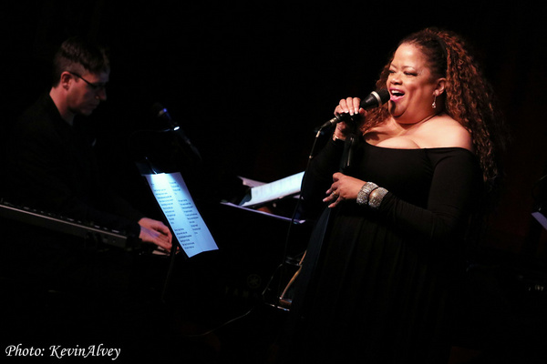 Photo Flash: Natalie Douglas Celebrates Joni Mitchell At Birdland