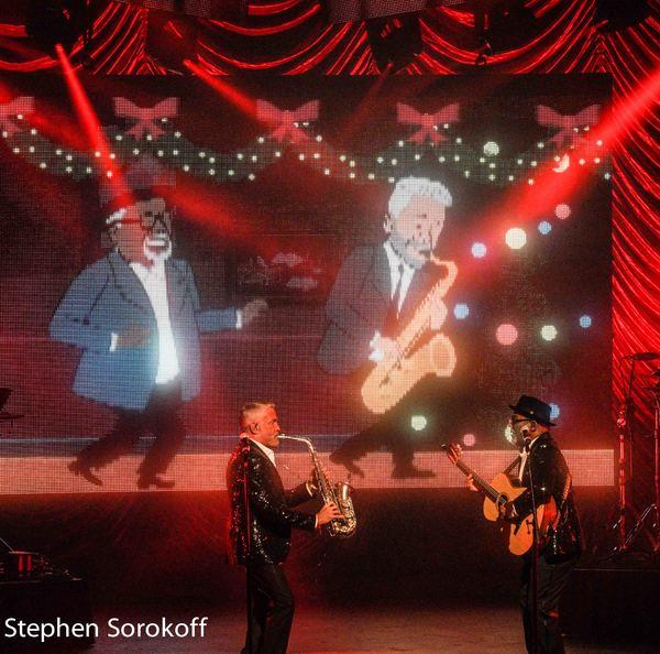 Photo Coverage: Dave Koz & Friends Christmas Tour Lights Up The Kravis Center
