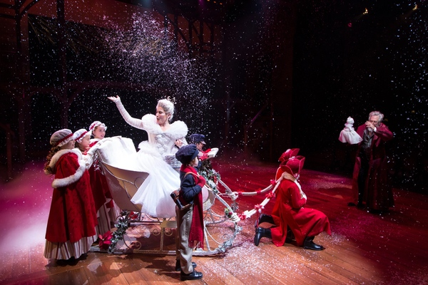 Photo Flash: A CHRISTMAS CAROL Rings In The Holidays At Hartford Stage