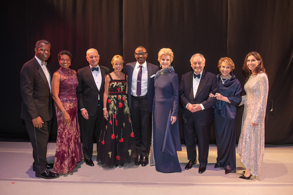 Gala Co-Chairs with Artistic Director Robert Battle Honoree Elaine Wynn and Board Mem Photo