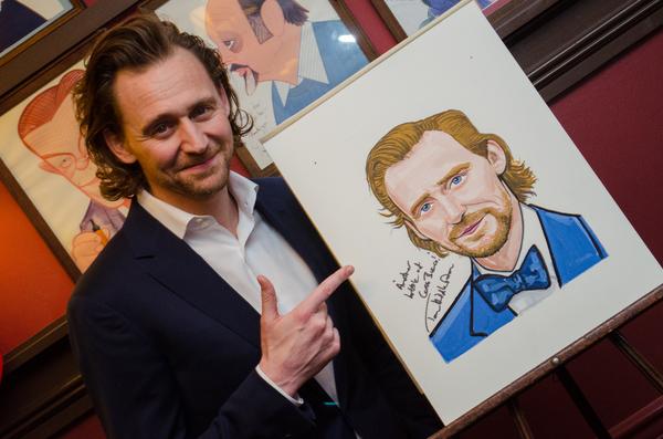 Tom Hiddleston Photo
