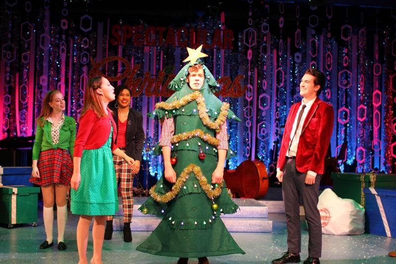 BWW Review: A SPECTACULAR CHRISTMAS SHOW Opens at Musical Theatre Heritage in Kansas City