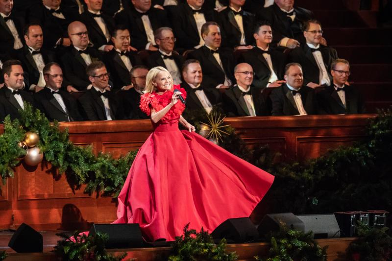 BWW Exclusive: Angels Among Us, Tabernacle Choir Christmas Concert Featuring Kristin Chenoweth