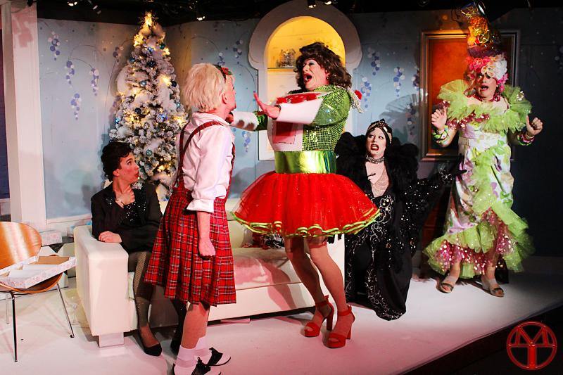BWW Preview: CHRISTMAS WITH THE CRAWFORDS Returns to the Desert Rose Playhouse