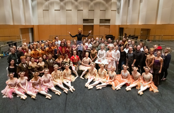 Celine Dion with Artists and Staff of The National Ballet of Canada Photo