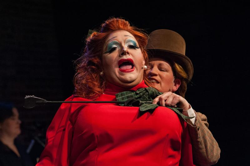 BWW Review: Nordo's CHRISTMAS KILLINGS AT CORGI CLIFFS Brings the (somewhat disjointed) Laughs