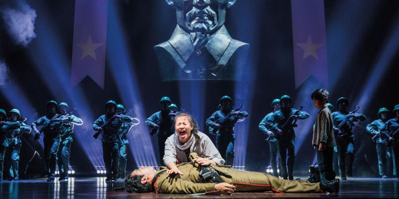 BWW Review: MISS SAIGON Opens At The Music Hall In Kansas City