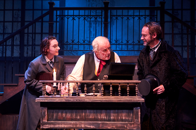 BWW Review: A CHRISTMAS CAROL: A GHOST STORY OF CHRISTMAS at Iowa Stage: A New Production Takes to the Stage