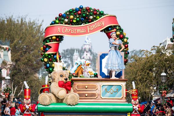 Photos: DISNEY PARKS MAGICAL CHRISTMAS DAY PARADE Airs Wednesday, December 25