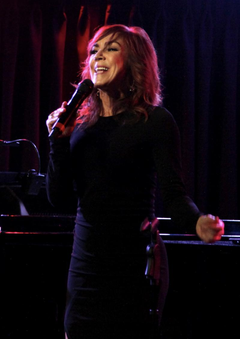 BWW Review: ANDREA MCARDLE Soars to New Heights at The Green Room 42