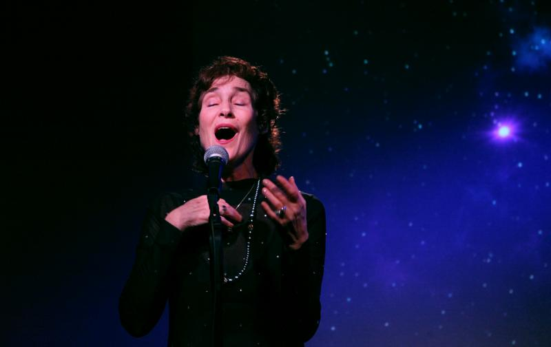 BWW Review: Maureen Taylor Casts A Spell With COSMIC CONNECTIONS at Don't Tell Mama