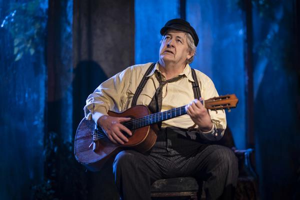 Photo Flash: First Look at UNCLE VANYA at the Harold Pinter Theatre