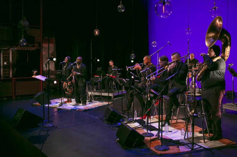 BWW Review: Ahamefule J. Oluo Honors His Single Mom With His Jazz-Infused SUSAN