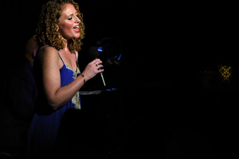 BWW Review: MARISSA MULDER Warms Cold NYC Night (and Hearts) at Beach Cafe