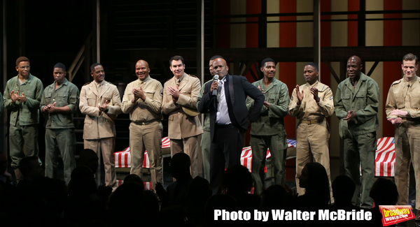 Kenny Leon, Blair Underwood, David Alan Grier and Jerry O'Connell with cast Photo