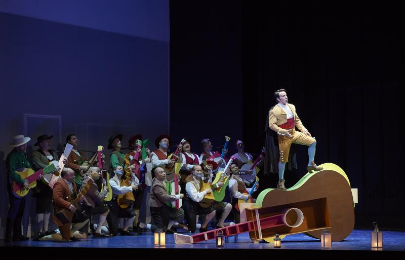 BWW Review: THE BARBER OF SEVILLE goes full circus in the Canadian Opera Company's electrifying, funny production