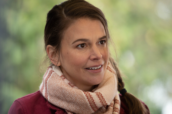 Photos: Get a First Look at Sutton Foster on A MILLION LITTLE THINGS