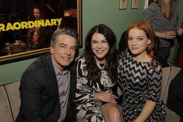 Peter Gallagher, Lauren Graham, Jane Levy Photo