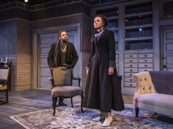Photo Flash: Raven Theatre's Chicago Premiere Adaptation of A DOLL'S HOUSE