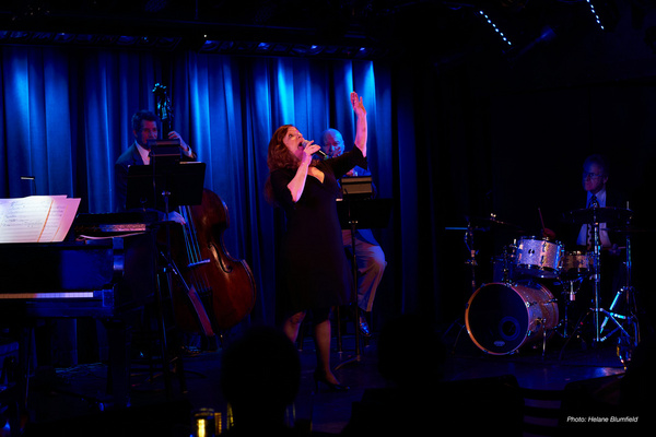 Photo Flash: Jennifer Pace At The Laurie Beechman
