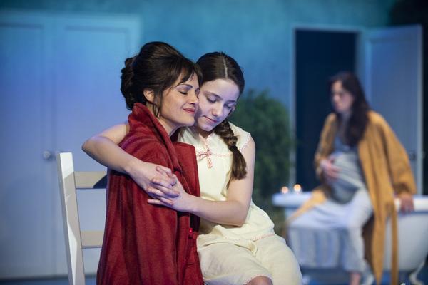 Carla Gugino and Ava Briglia  Photo