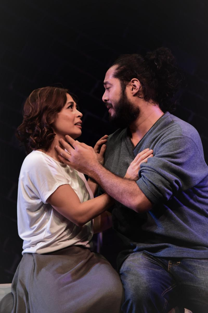 BWW Review: STAGE KISS Blurs the Lines of Passion