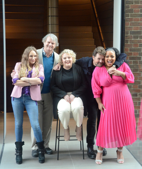 Photo Flash: First Look at the Cast of HAIRSPRAY