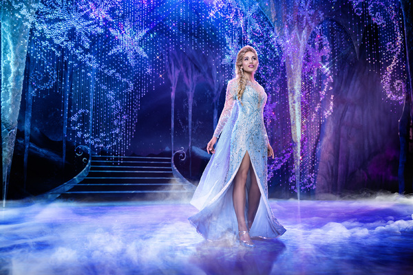 Photos and Video: Get a First Look at FROZEN's New Cast Members; Plus Learn About the Changes Coming to Broadway